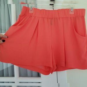 BCBG MaxAzria light shorts with pockets NWOT
